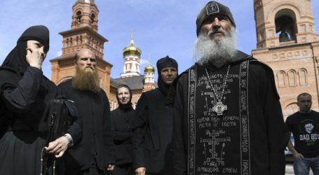 Συνελήφθη πρώην ιερέας που κατηγορείται ότι προέτρεπε μοναχές να αυτοκτονήσουν
