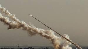 Κοινή στρατιωτική άσκηση ενόπλων ομάδων στη Γάζα με ρίψεις ρουκετών
