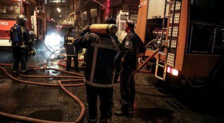 Ένας νεκρός από πυρκαγιά σε διαμέρισμα στα Καμίνια