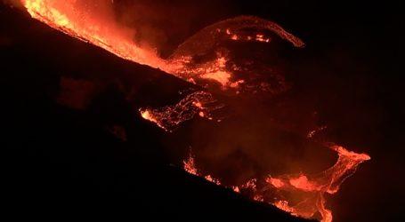 Ενεργοποιήθηκε ηφαίστειο στον Άγιο Βικέντιο