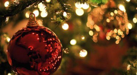 Οι Χριστουγεννιάτικες ευχές των πολιτικών και των φορέων του Βόλου [εικόνες]