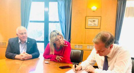 Κ. Καραμανλής σε Ζ. Μακρή: Υπεγράφη η χρηματοδότηση, ύψους 600.000€, της οδοποιίας του Βελεστίνου