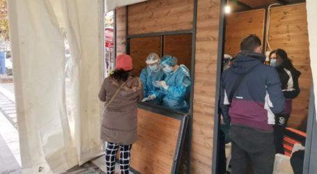 Υποτονική με την έναρξή της η σημερινή δειγματοληψία με rapid tests στην Κεντριή πλατεία της Λάρισας (φωτό)