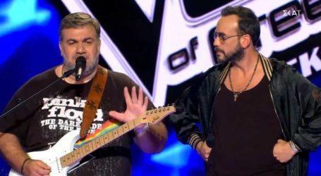 Το απολαυστικό show του Δημήτρη Σταρόβα και του Πάνου Μουζουράκη στο The Voice