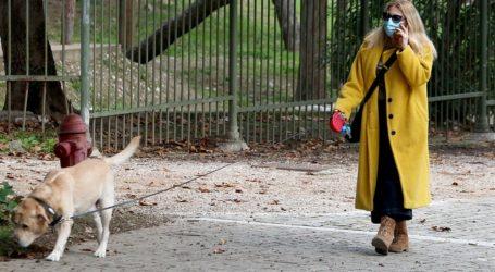 Το παλτό της Σμαράγδας Καρύδη που θα σας κρατήσει ζεστές όλον τον χειμώνα
