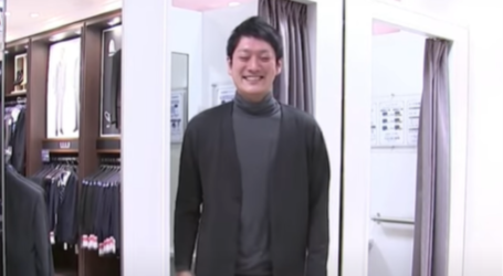 Ήρθε το… κοστούμι-πυτζάμα: Το απόλυτο σύνολο για την τηλεργασία και τις συσκέψεις zoom