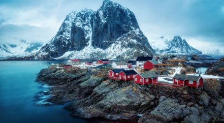 "Reine: ""Κυνηγώντας"" το βόρειο σέλας στο ομορφότερο νορβηγικό χωριό!"