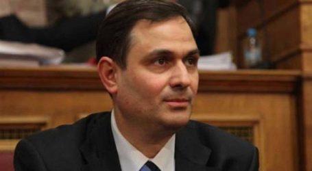 Σαχινίδης για κυβέρνηση: «Στον καθρέφτη σου κοιτιέσαι και από μόνη σου αγαπιέσαι»