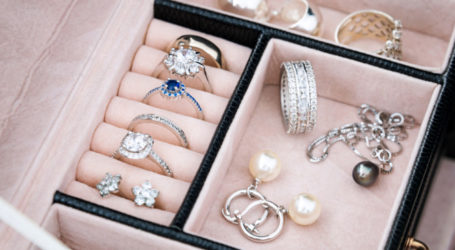 Βόλος: Έκλεψαν κοσμήματα και τα πούλησαν σε ενεχυροδανειστήριο
