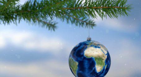 Ξέρετε πού γεννήθηκε το έθιμο των χριστουγεννιάτικων δέντρων;