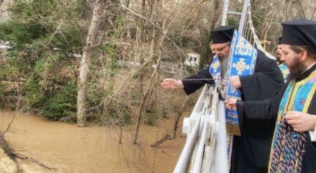 """Ιερώνυμος Λαρίσης: Η Εκκλησία δεν είναι ο """"καρπαζοεισπράκτορας"""" της Πολιτείας"""