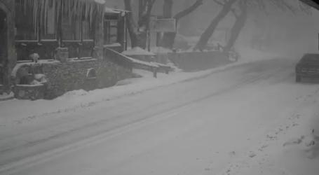 ΤΩΡΑ: Χιονοθύελλα στο Πήλιο [απευθείας σύνδεση]