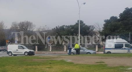 Βόλος: Τροχαίο ατύχημα στον κυκλικό κόμβο του Τελωνείου [εικόνα]