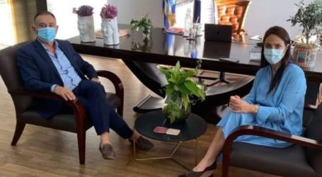 Συνάντηση Κέλλα – Μιχαηλίδου για την παράταση των συμβάσεων επικουρικού προσωπικού στις δομές πρόνοιας