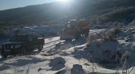 Εντυπωσιακές φωτογραφίες: Ο χιονισμένος Κίσσαβος με θέμα το Αιγαίο και τις εκβολές του Πηνειού
