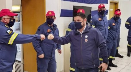 Στο δρόμο με Πυροσβέστες και Αστυνομικούς έκανε Πρωτοχρονιά ο Ν. Χαρδαλιάς