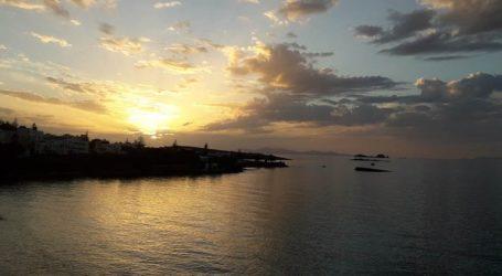 Το πρώτο ηλιοβασίλεμα του 2021 στην Πάρο μάγεψε τα βλέμματα!