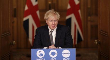 Ο πρωθυπουργός Τζόνσον σχεδιάζει τεστ Covid-19 για τους επισκέπτες από το εξωτερικό