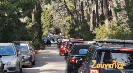 Χάος στη λεωφόρο Τατοΐου από την αυξημένη κίνηση