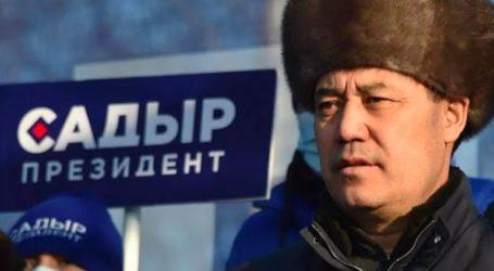 Ο εθνικιστής Τζαπάροφ προηγείται με ποσοστό άνω του 80% στις εκλογές