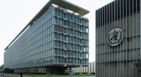 Δύο μέλη της ομάδας ειδικών του ΠΟΥ που έχει σταλεί στην Κίνα παραμένουν στη Σιγκαπούρη για εξετάσεις
