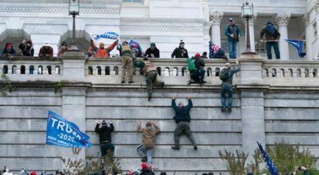 Περισσότερες από 100 συλλήψεις από το FBI για τη βίαιη κατάληψη του Καπιτωλίου