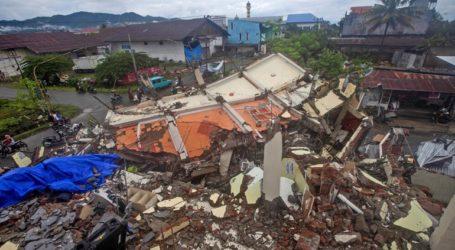 Συνεχίζονται οι έρευνες για τον εντοπισμό επιζώντων μετά τον σεισμό των 6,2 βαθμών Ρίχτερ