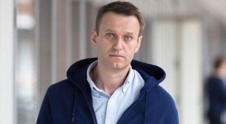 Ο Αλεξέι Ναβάλνι επιστρέφει στη Ρωσία παρά την απειλή για σύλληψή του