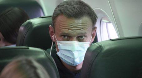 Να απελευθερωθεί αμέσως ο Ναβάλνι και να διερευνηθούν οι συνθήκες δηλητηρίασής του