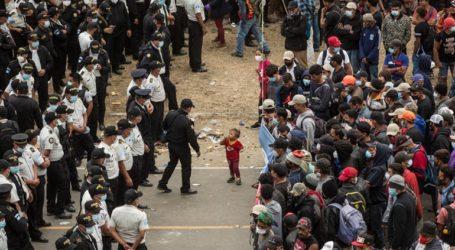 Η αστυνομία διέλυσε το καραβάνι των μεταναστών από την Ονδούρα