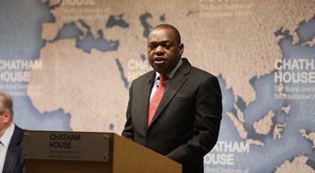 Απεβίωσε ο υπουργός Εξωτερικών της Ζιμπάμπουε που είχε προσβληθεί από κορωνοϊό