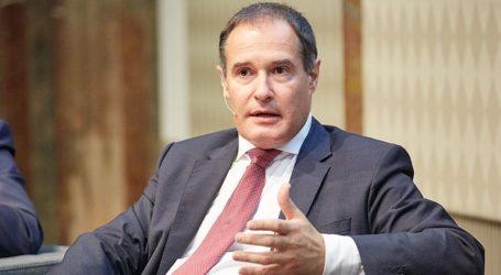 Ο επικεφαλής της Frontex γνωστοποίησε πως θέλει να παραμείνει στη θέση του