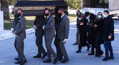 Σε στενό οικογενειακό κύκλο η κηδεία του Σήφη Βαλυράκη