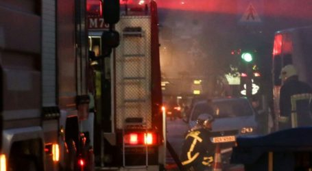 Σε εξέλιξη πυρκαγιά σε χώρο γραφείων κοντά στη Βαρβάκειο Αγορά