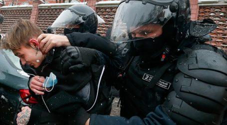 Περισσότερες από 4.400 συλλήψεις στη Ρωσία κατά τη διάρκεια των διαδηλώσεων υπέρ του Ναβάλνι