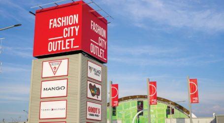 Fashion City Outlet: Σε πλήρη λειτουργία τα εμπορικά καταστήματα στην περίοδο των χειμερινών εκπτώσεων