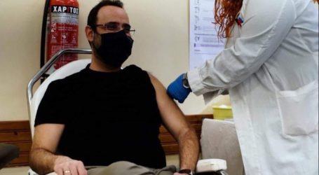 Εμβολιάστηκε ο Μαραβέγιας: Ευχαριστώ τους συναδέλφους του Κ.Υ. Αργαλαστής
