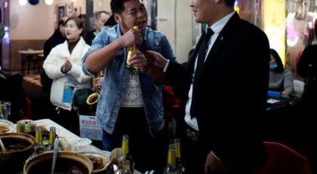 Η Γουχάν γιορτάζει – Έναν χρόνο μετά το lockdown η πόλη όπου άρχισε η πανδημία γέμισε φωνές και γέλια
