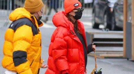 Η stylish εμφάνιση της εγκυμονούσας Emily Ratajkowski στη Νέα Υόρκη