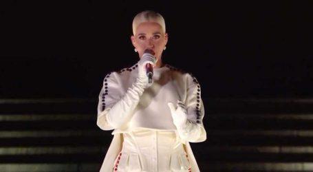 To σόου της Katy Perry στην ορκωμοσία Biden και η συγκίνηση του συντρόφου της Orlando Bloom