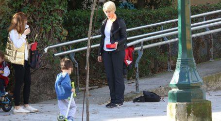 Σία Κοσιώνη: Βόλτα στο κέντρο της Αθήνας με τον γιο της
