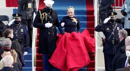 Η Lady Gaga αποκάλυψε τον συμβολισμό πίσω από τη καρφίτσα και το φόρεμα της στην ορκωμοσία Biden