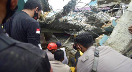 Τουλάχιστον 42 νεκροί και εκατοντάδες τραυματίες από τον σεισμό των 6,2 βαθμών Ρίχτερ