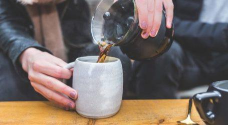 Άτακτοι στα Φάρσαλα – Άνοιξε κι άλλο καφενείο με τον ιδιοκτήτη να πάει αυτόφωρο και να πληρώνει τσουχτερό πρόστιμο