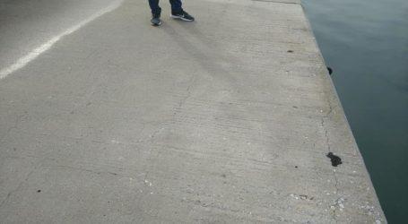 Προσοχή για όσους περπατάνε στο «κορδόνι»! Διάβρωση και κούφια σημεία [εικόνες]