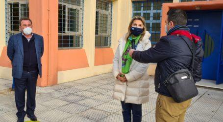 Rapid tests στους εκπαιδευτικούς του Ασπρόπυργου παρουσία της Ζέττας Μακρή