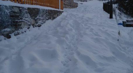 Λάρισα: Στην Σπηλιά ξύπνησαν με 25 πόντους χιόνι και -9 βαθμούς (φωτο)