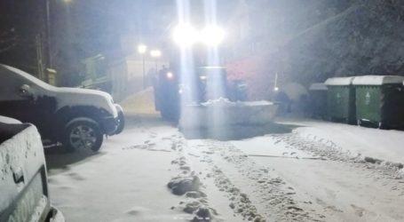 Στους δέκα πόντους το χιόνι στη Σπηλιά του Κισσάβου (φωτό)