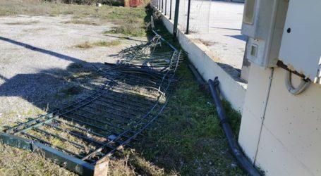 Δείτε φωτογραφίες: Εδώ έγινε το θανατηφόρο τροχαίο που βύθισε σε θλίψη τη Λάρισα ανήμερα Πρωτοχρονιάς
