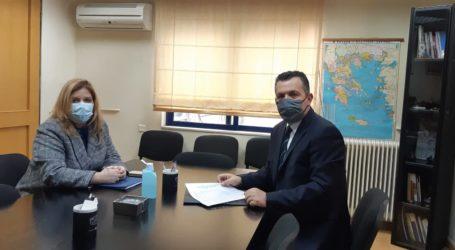 Συνάντηση Μπουκώρου – Συρεγγέλα: Γραφεία γονιμότητας στα Δημόσια Νοσοκομεία αιτήθηκε ο βουλευτής Μαγνησίας